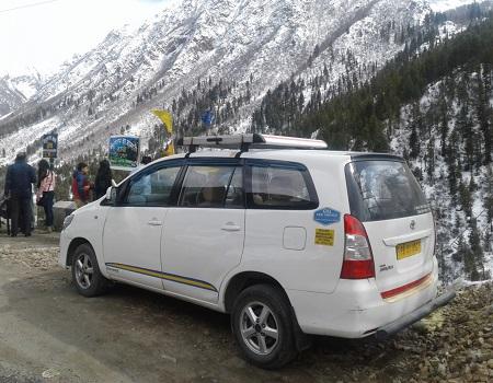 Toyota innova taxi hire in Chandigarh